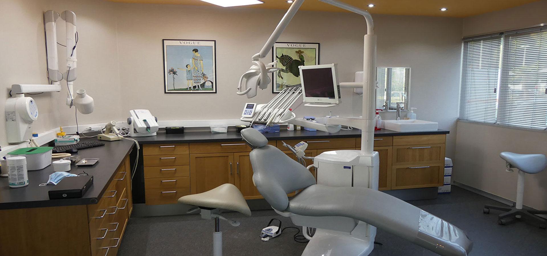 Prothèse dentaire : implant et prothèse c'est la même chose ?